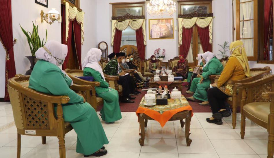 Berkolaborasi Bersama Fatayat NU, Kabupaten Blitar Siap Dampingi Program Perempuan Bersuara Bidang Kesehatan