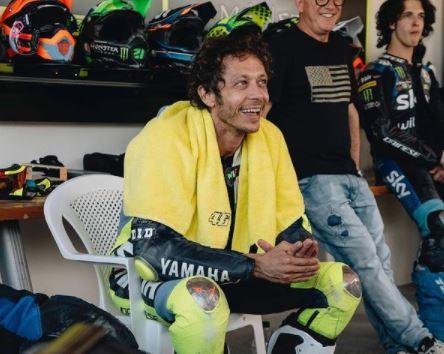 Valentino Rossi Akhirnya Pensiun Setelah 25 Tahun Berkarir, Simak Perjalanannya