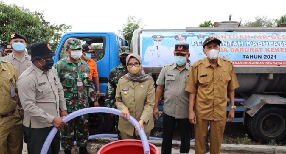 Bantu Atasi Kekeringan, Pemkab Blitar Salurkan Air Bersih di Desa Kalisoko