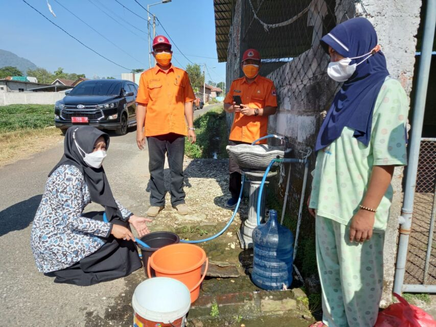 Masuk Daerah Rawan Kekeringan, Pemkab Mojokerto Suplai Air Bersih di Desa Duyung