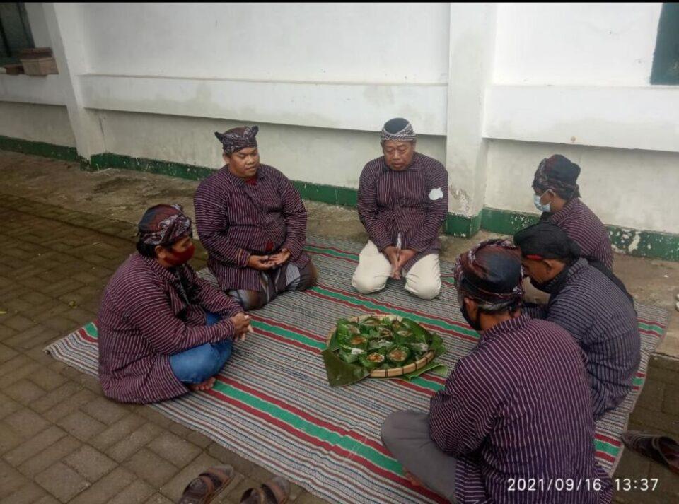 Pokdarwis Kampung Gribig Religi Lestarikan Tradisi Bubur Sapar