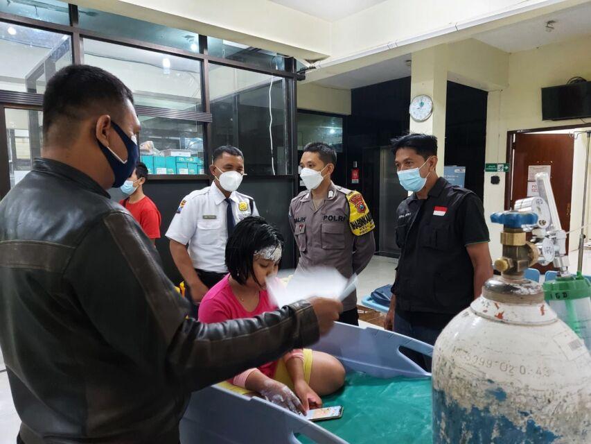 Kronologi Penyiraman Minyak Panas Ibu dan Anak Penjual Gorengan Oleh Preman Kampung di Blitar