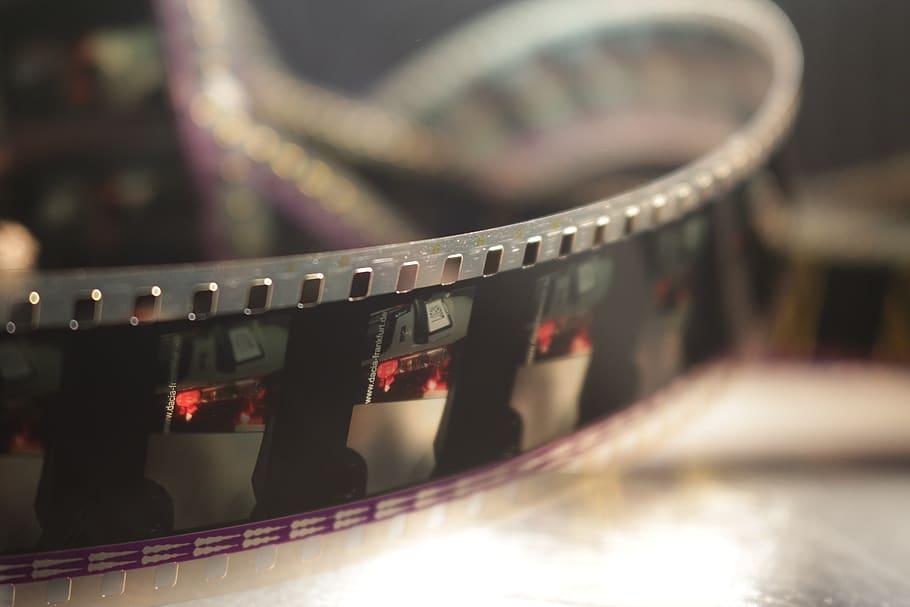 Deretan Film Indonesia yang Dilarang Tayang di Negara Sendiri