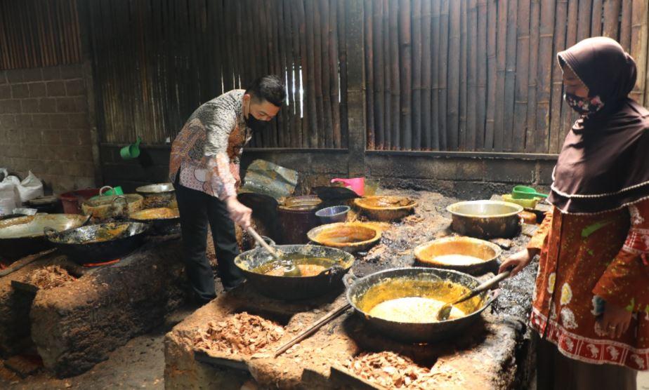 Siap Bantu UMKM Lakukan Ekspor, Dekranasda Kabupaten Blitar: bantu UMKM semangat kembali