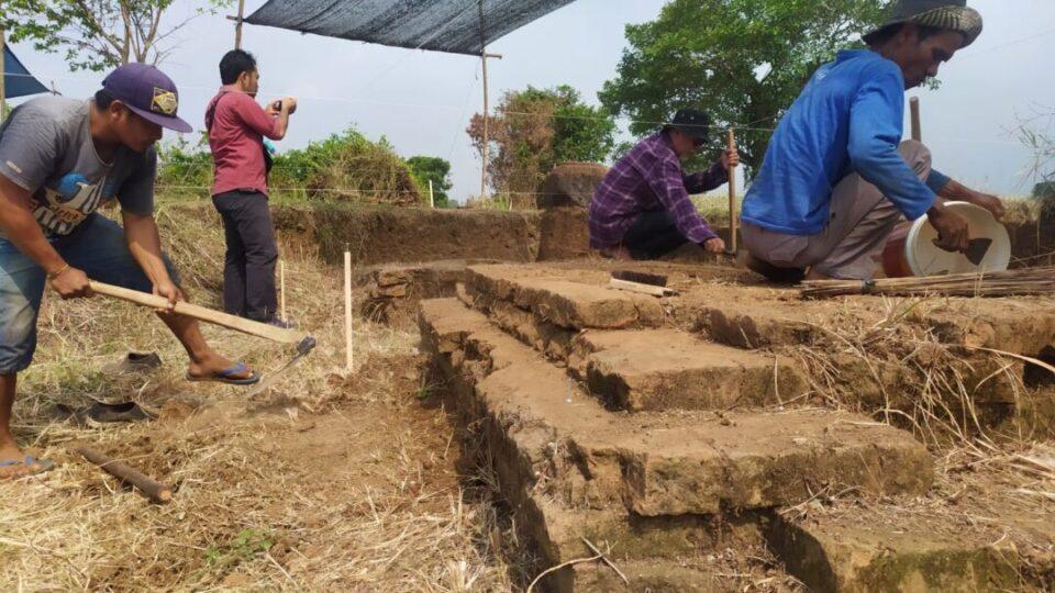 Situs Watukucur Dipercaya Sebagai Tempat Ibadah Umat Hindu